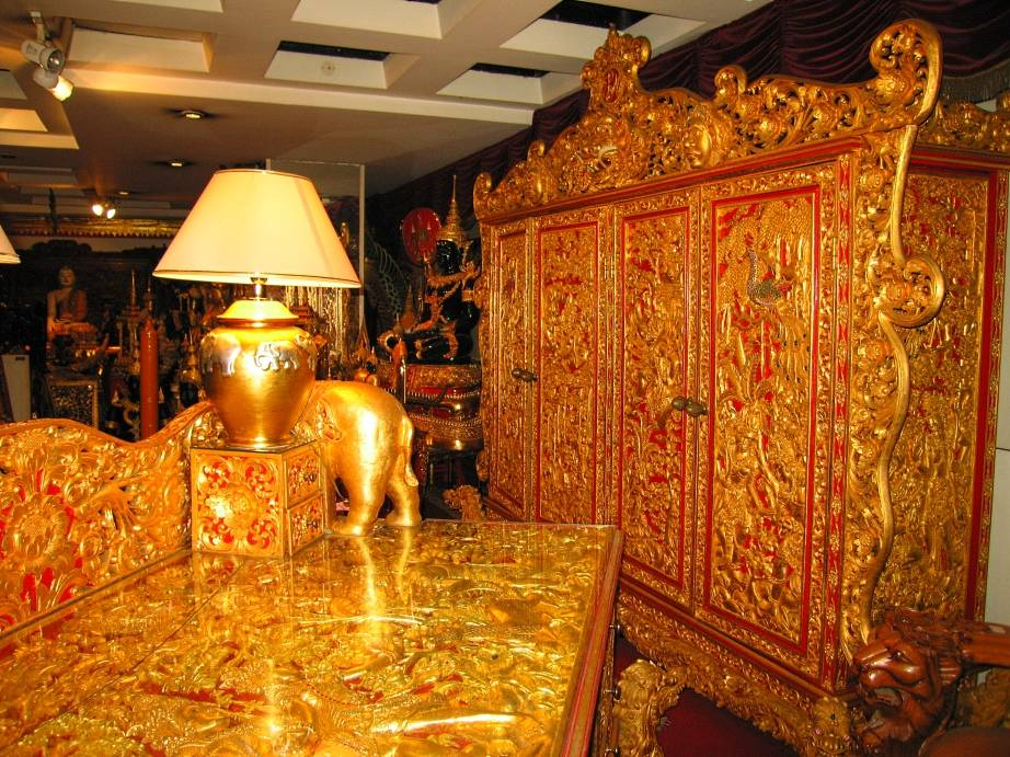 royal furniture at Bali Beach Museum Shop